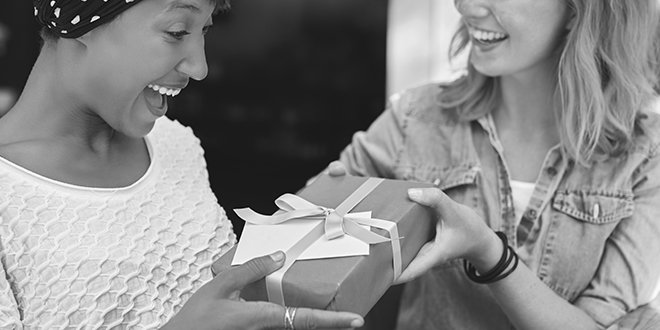 Shopping Guide for Your Friend's First Vibrator - Gift