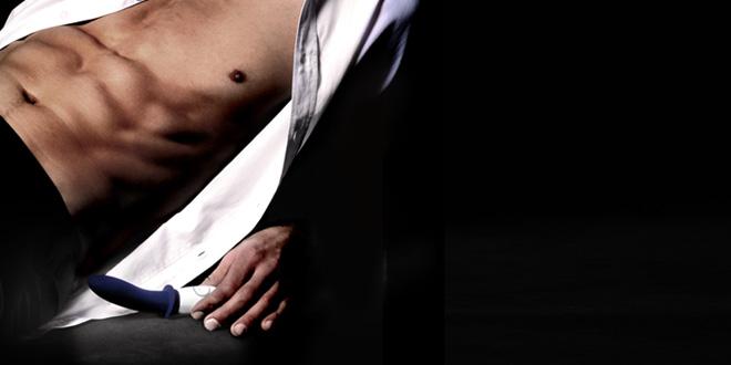 las mujeres hacen masaje de próstata al hombre