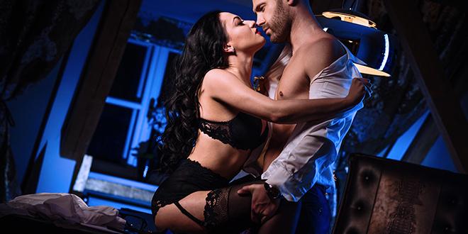 Sexo, química y vídeos X (un enlace quíntuple) – Relato erótico