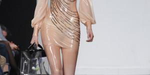 Ropa de látex y vibradores LELO en Madrid Fashion Week