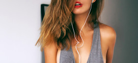 Las mejores canciones para trabajar y soñar (eróticamente) en la oficina