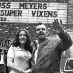 At-arte: Russ Meyer, el Fellini del sexo