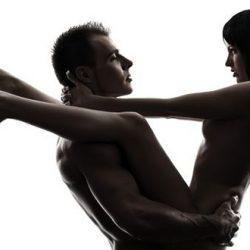 5 Positions Acrobatiques du Kamasutra ou l'Art d'Être Souples en Couple