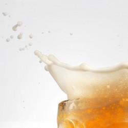 Boire de la Bière Pour Être Meilleur au Lit : le Coup de Pouce de la Mousse