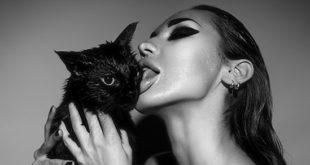 13-superstitions-sexuelles-a-ne-pas-lire-sous-une-echelle-a-un-chat-noir
