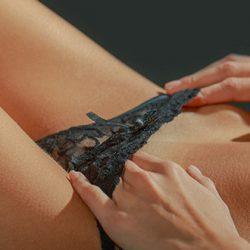 La Stimulation du Clitoris ou l'Art de Mener le Bouton Magique à la Baguette