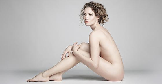 Image de modèle nue