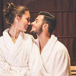 8 Idées Sexy pour Fêter votre Anniversaire de Couple