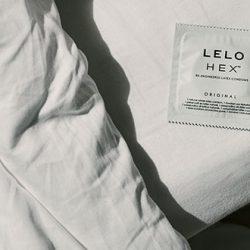 L'Incroyable Technologie du Préservatif LELO Hex Présentée Dans un Podcast