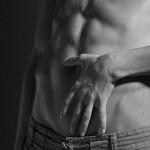 L'arte della masturbazione maschile o di come si accarezza un uomo con le mani (e non solo)