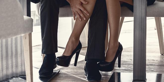 LELO_VOLONTE_Racconti erotici_Masturbazione con i piedi